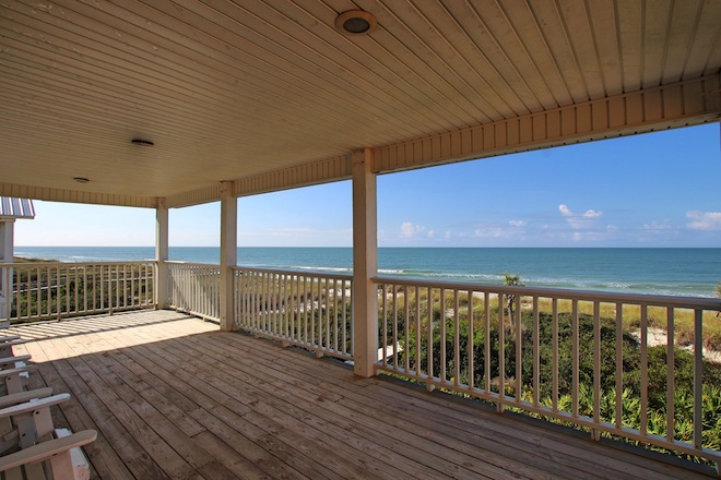 Sugar Dunes - One of 65 Reasons to Bring Your Pet on Your Next Vacation